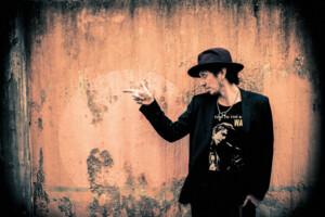 Sami Yaffalta uusi aluevaltaus – basistisuuruus julkaisee sarjakuvan, jonka päähenkilön esikuvana toimi Hanoi Rocks -toveri