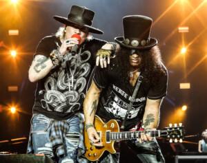 Tästä ei hyvä heilu: Donald Trumpin tilaisuudessa soitettiin jälleen Guns N' Rosesia – kappalevalinta hämmentää