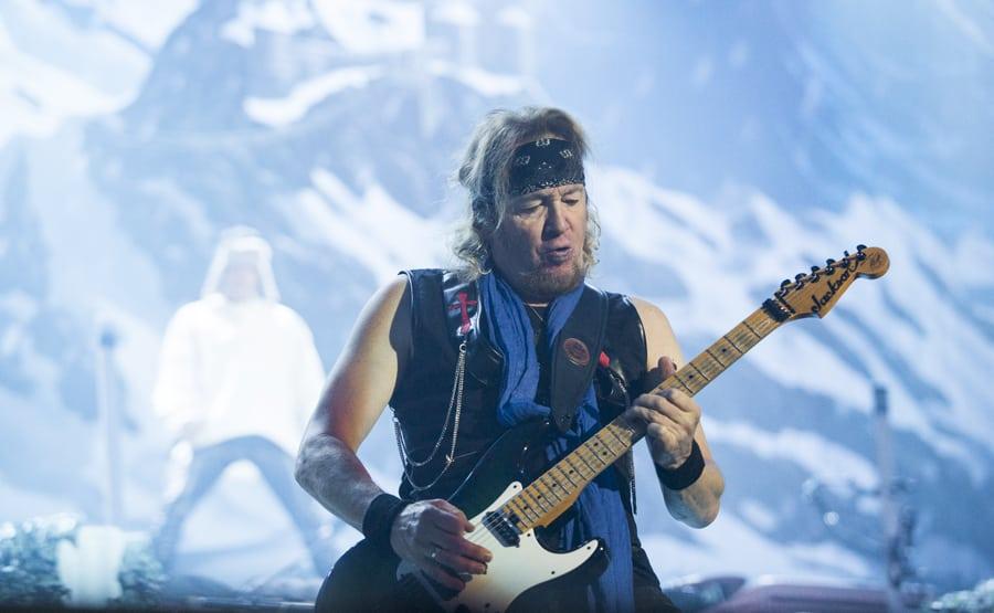 kepittäjä kertoo pitäneensä kolmen kitaristin kokoonpanoa arveluttavana -...