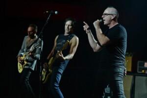 Punk-veteraani Bad Religion yllättää – julkaisi varsin odottamattoman, mutta sykähdyttävän version vanhasta kappaleestaan