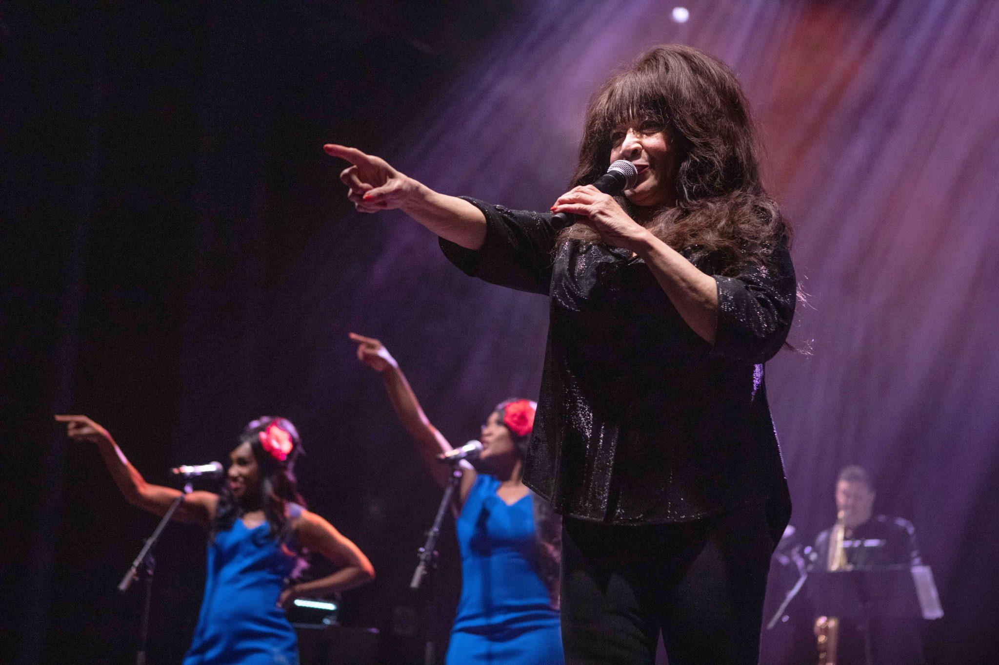 Loistava Laulaja